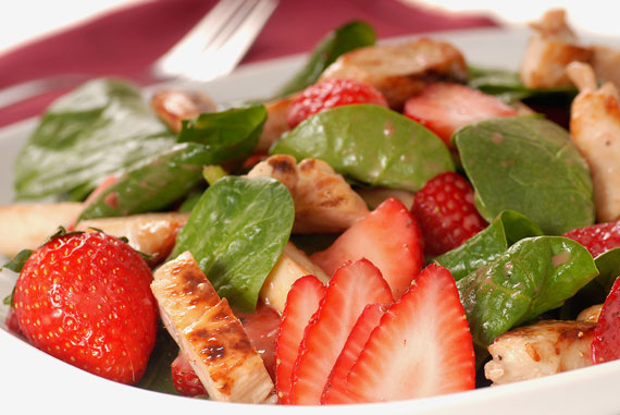 Delicious Recipes: Strawberry & Chicken Salad